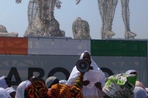 Article : Abidjan: des Femmes rendent hommage aux martyrs, la police se mêle…