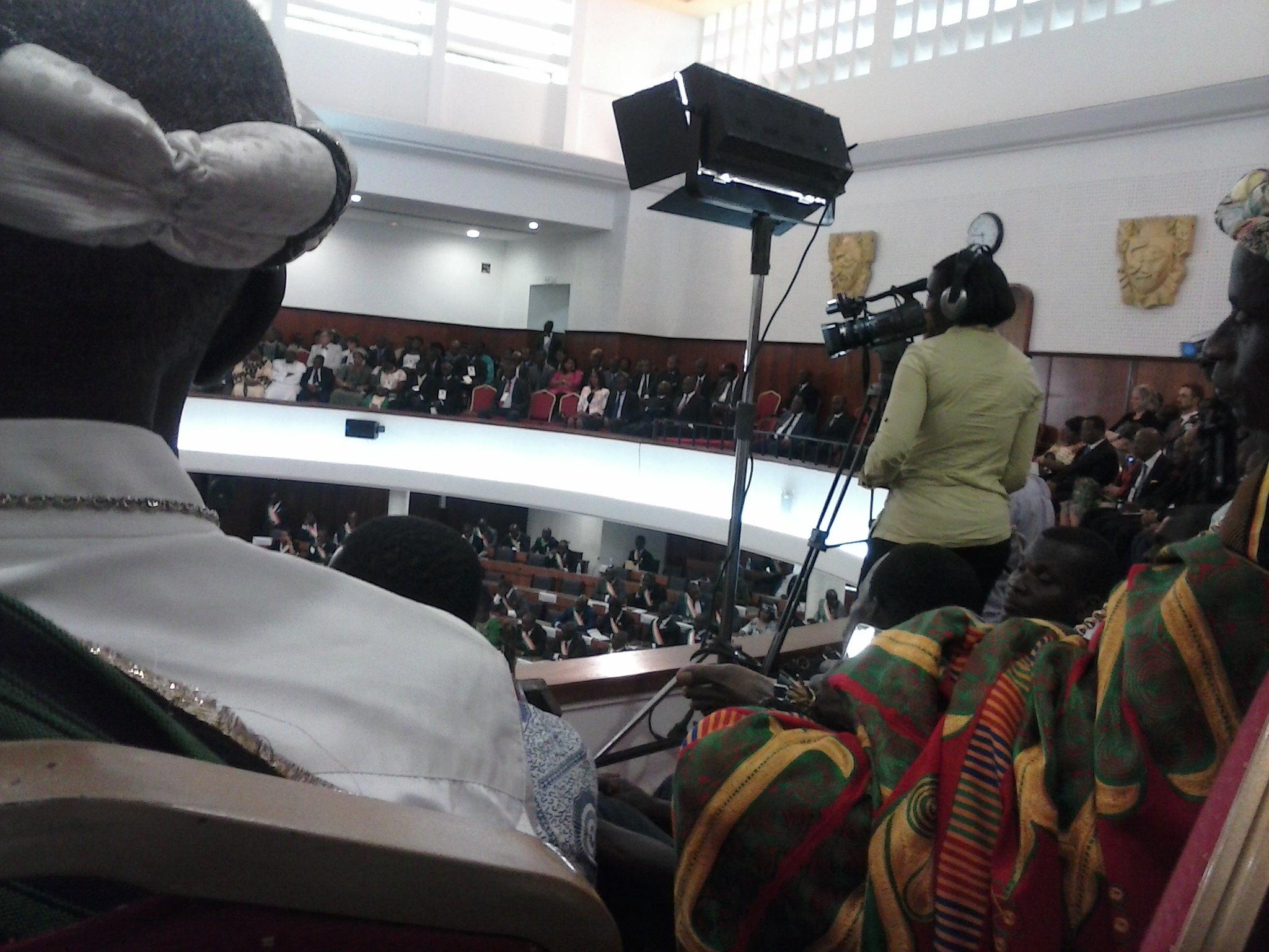 En plus des personnalités politiques, les chefs religieux et chefs traditionnels ont pris une part active à cette session ordinaire du Parlement ivoirien. Crédit photo: FBI