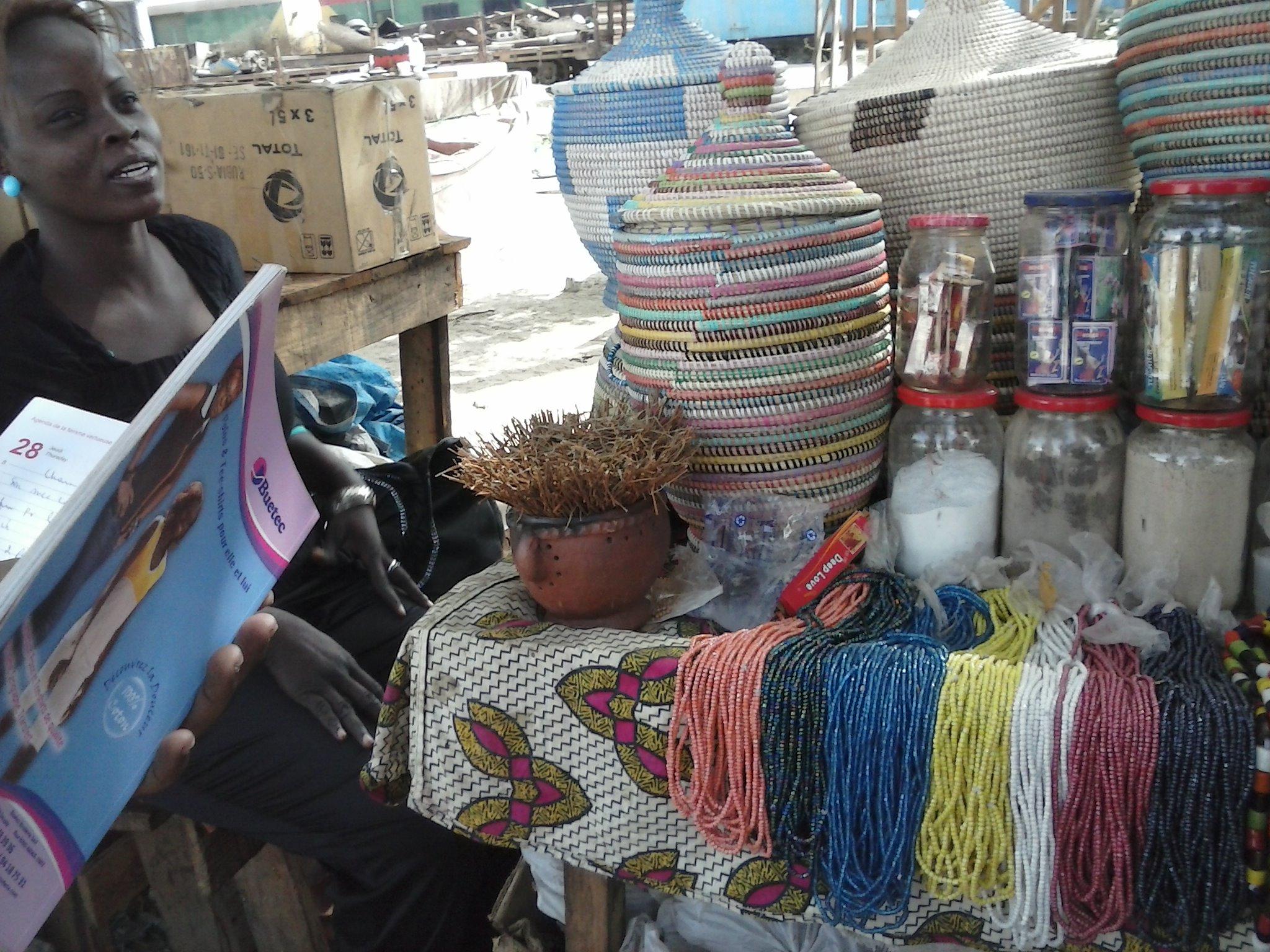 Au marché du port de Dakar, demandé le prix d'un produit sans achété n'est pas chose aisé. Crédit photo: FBI