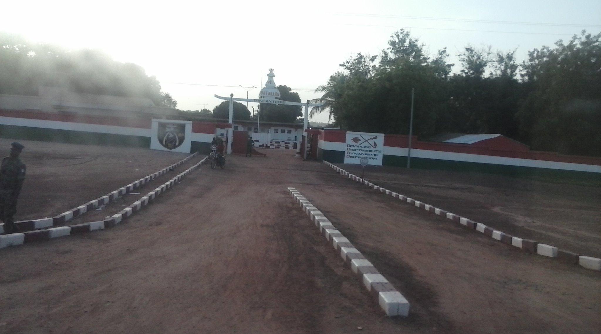 Arrivé dans la plus grande ville du nord, Korhogo, le convoi marque un arrêt devant la Compagnie territoriale de Korhogo (CTK) pour le ravitaillement des véhicules. (crédit photo: FBI)