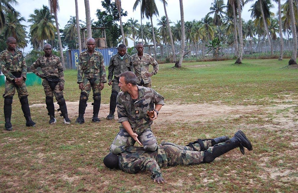 Avant la projection des soldats ivoiriens au Mali, des instructeurs de l'Armée française ont formé les 235 éléments du Bataillon Logistique. (crédit photo: créative Commons).