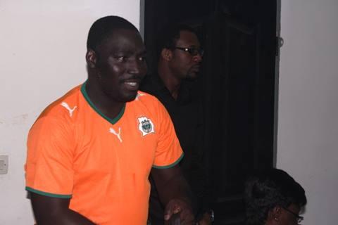 Cyriac Gbagou a apporté sa touche d'humour, avec ses ''railleries''. crédit photo: E-voir