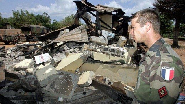 Après le bombardement du camp de l'armée française à Bouaké par les avions de chasse de Gbagbo. crédit photo: DR
