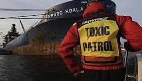 le navire européen qui transportait les déchets toxiques vers l'Afrique. crédit photo: DR