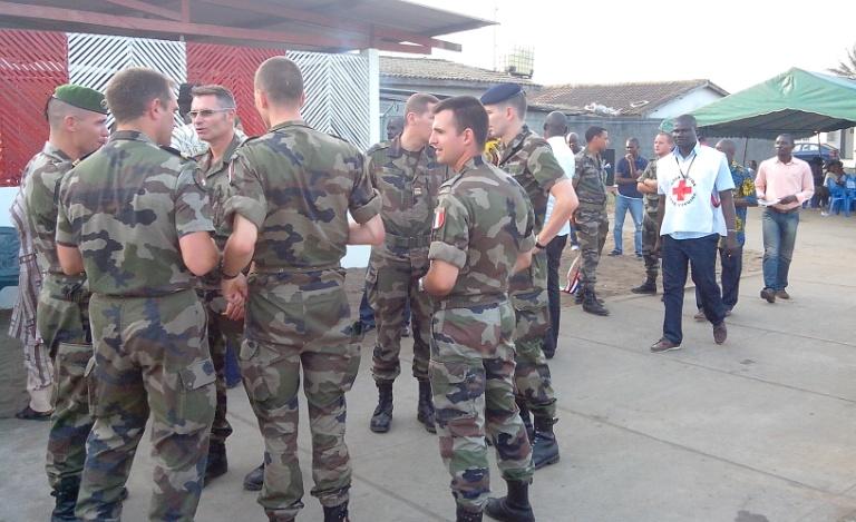 Rencontres avec militaires