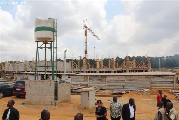 Dans le cadre du Programme présidentiel de logement, le BNETD visite les chantiers de la SICOGI, le mardi 29 Janvier 2014. Ph: DR