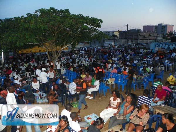 Les Ivoiriens et la fête dans la commune de la joie (Yopougon) / Ph: Abidjanshow.com
