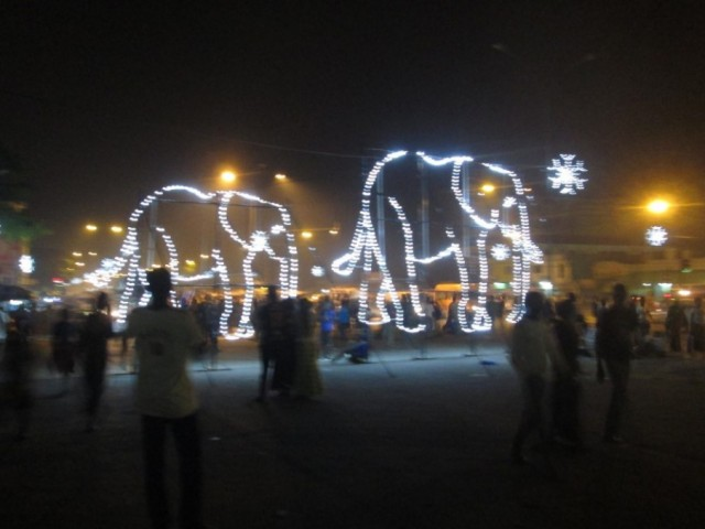 Festivités de fin d'année en lumière à la Place de la Marie d'Abobo / Ph.Badra Aly