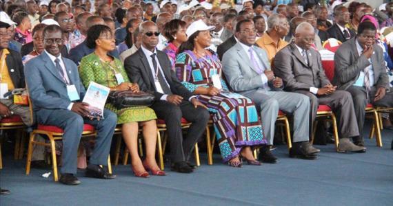 Les caciques du Fpi, lors d'une Convention au Palais de la culture de Treichville.