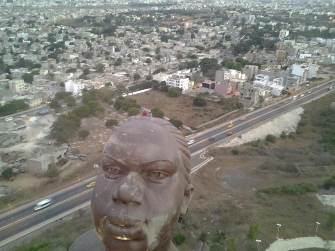 Des VIF 2014 au sommet du Monument de la renaissance africaine à Dakar. © FBI