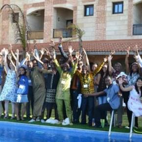 Les VIF de la promotion 2014 au bord de la piscine à Dakar (Hôtel Le Virage).