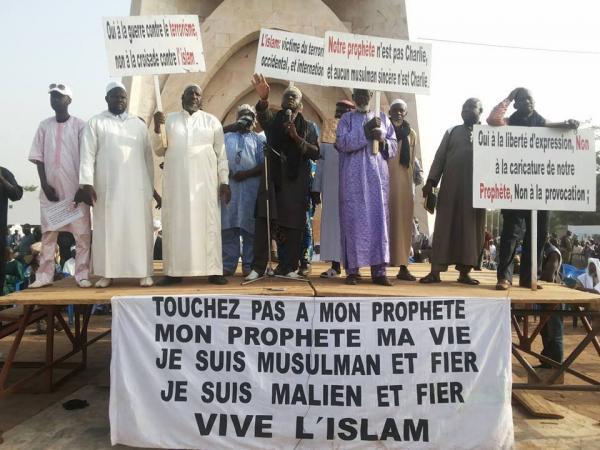 Protestation au Mali contre la une de Charlie hebdo. Ph: Malijet
