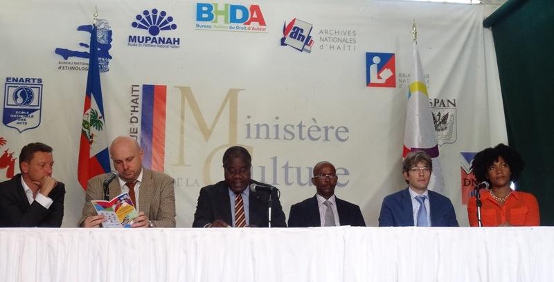 """Représentant le ministre des Affaires Etrangères, c'est le ministre haitien de la défense, Lener Renauld, qui a lancé la """"Quinzaine de la Francophonie""""."""