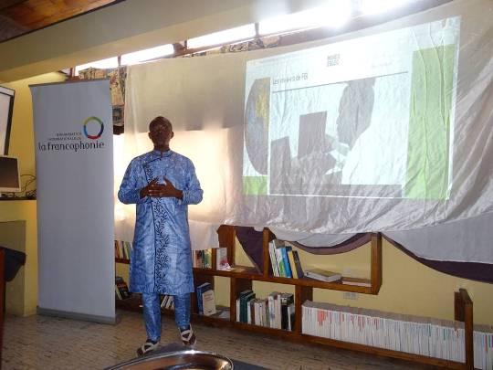Lors de la deuxième partie de l'atelier d'initiation au blogging avec Baba Idriss F. © BRPC