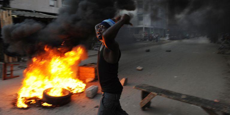 Ces images ont fait le tour du monde, à la suite des élections de 2010 en Côte d'Ivoire. Ph: Issouf Sanogo (AFP)