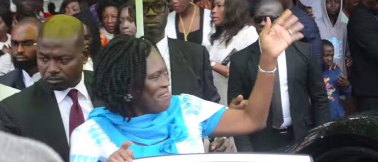 Article : Recadrée sur Facebook, Simone Gbagbo se dégonfle!
